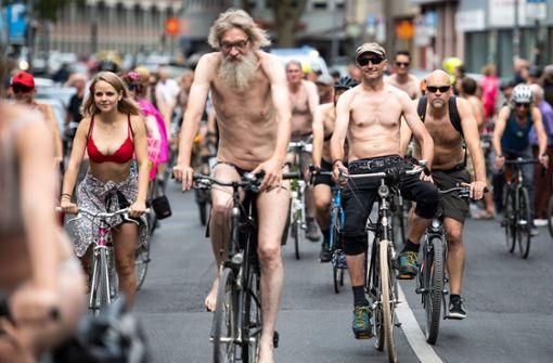 Darum radeln Kölner halbnackt durch die Stadt