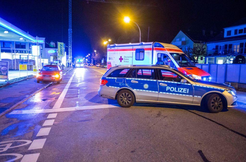 Abgesperrt: Die Unfallstelle in der Plieninger Straße in Möhringen Foto: 7aktuell.de | Simon Adomat