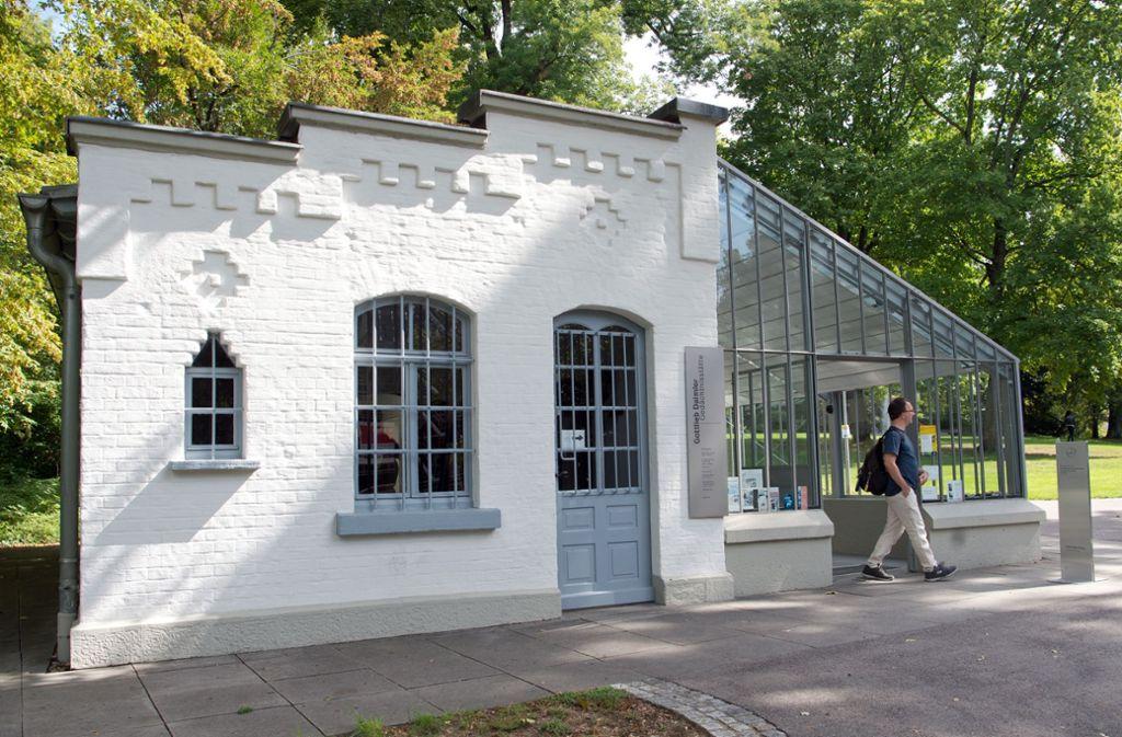 Das ehemalige Gartenhaus und die ehemalige Werkstatt der Autopioniere Gottlieb Daimler und Wilhelm Maybach: Es kann sich sehen lassen. Anderswo herrscht Sanierungsbedarf im Kurpark. Foto: