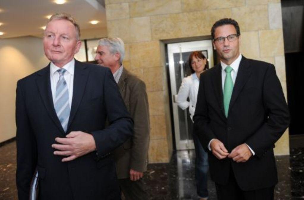 Der baden-württembergische SPD-Fraktionschef Claus Schmiedel (links) mit CDU-Fraktionschef Peter Hauk. Foto: dpa