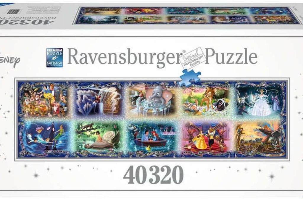 """Puzzeln: Das Ravenburger Puzzle """"Unvergessliche Disney Momente"""" gilt mit 40.320 Teilen als das größte in Serie gefertigte Puzzle der Welt. Wer sich wirklich rantrauen will, braucht 399 Euro, viel Platz – das Puzzle misst zusammengepuzzelt 1,9 Mal 6,8 Meter – und viel Geduld. Es heißt, nur eine Handvoll Menschen hätte das Puzzle je im Alleingang vollendet. Sie berichten, etwa ein halbes Jahr beschäftigt gewesen zu sein. Foto: Hersteller/Ravensburger"""