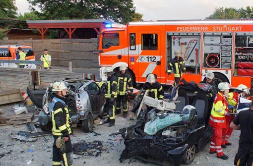 Schwerer Unfall – zwei Smart überschlagen sich