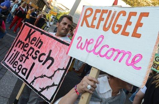 Stuttgarter stehen für Flüchtlinge ein