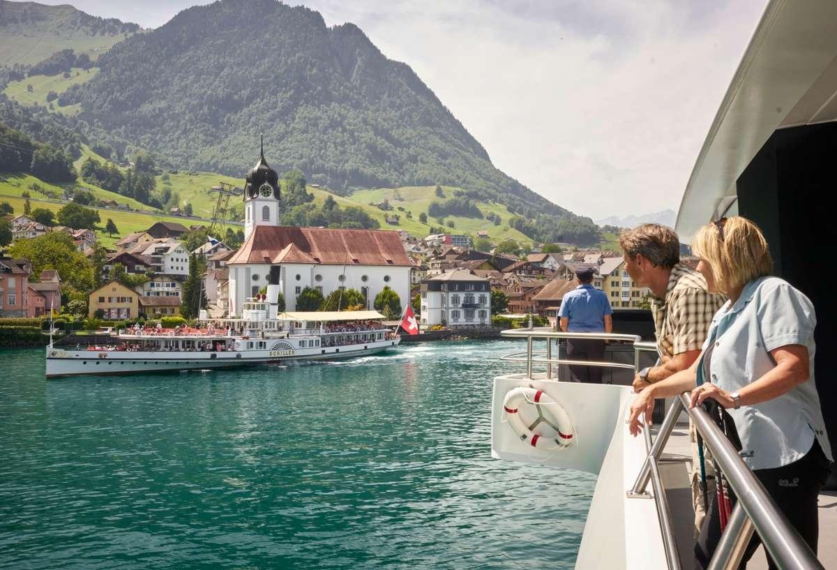 Mit dem Tell Pass hat man freie Fahrt mit allen Transportmitteln. Sogar zu Wasser  Foto: Luzern Tourismus/ Beat Brechbühl