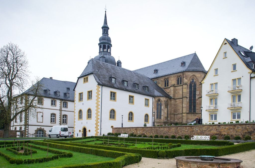 Das Benediktinerkloster Tholey ist das älteste Kloster Deutschlands – und bekommt jetzt umsonst Fensterentwürfe von Gerhard Richter. Foto: dpa