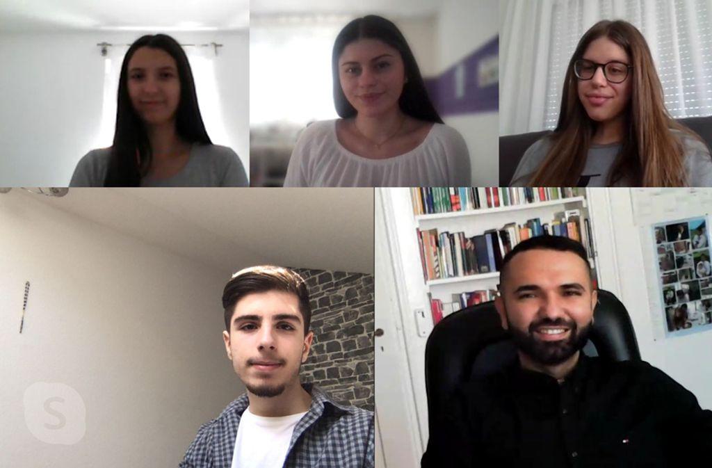 Schüler und Lehrer im Videochat (von oben links): Matea Glavasevic, Lisa Tommasi, Laura Di Maggio, Furkan Altun und Alessandro Totaro. Foto: privat