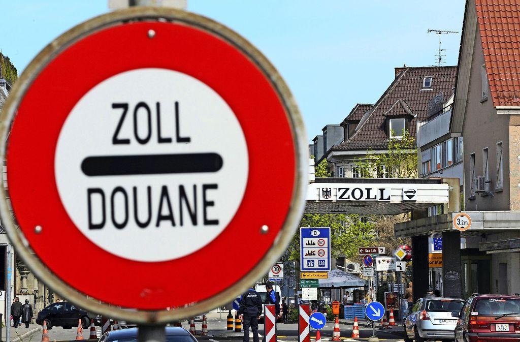 Samstag ist Schweizer Einkaufstag in Deutschland – und vom Schweizer Kreuzlingen geht es nach Konstanz. Foto: dpa
