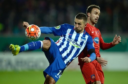 Vedad Ibisevic  gelangen  bereits vier Doppelpacks für Hertha BSC. Foto: dpa