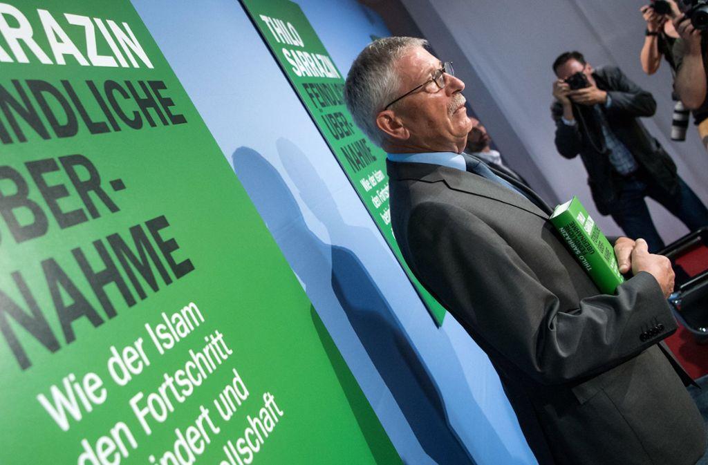Thilo Sarrazin bei der Vorstellung seines Buches in der Bundespressekonferenz Foto: dpa