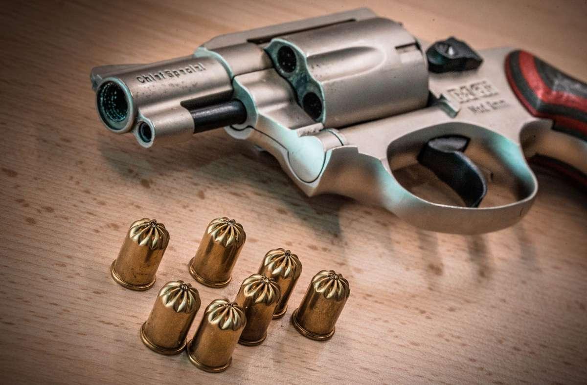 Auch Schreckschusswaffen dürfen nicht ohne Genehmigung in der Öffentlichkeit abgefeuert werden. Foto: Phillip Weingand
