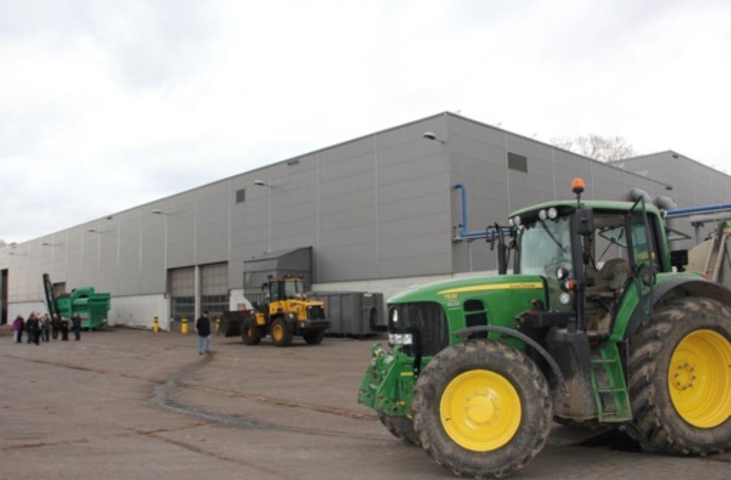 110 Meter lang und 33 Meter breit ist die Halle der Backnanger Biogas-Anlage. Für Zuffenhausen ist eine circa 70 Meter lange Halle geplant. Foto: Bernd Zeyer