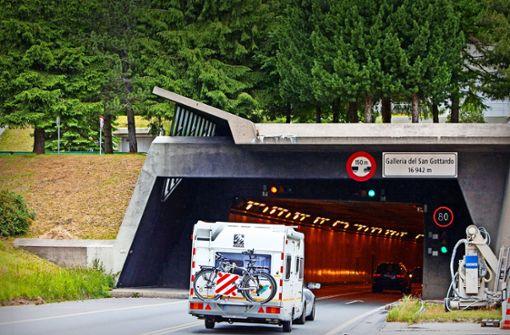 Die Polizei bringt den Gotthard-Raser in den Knast