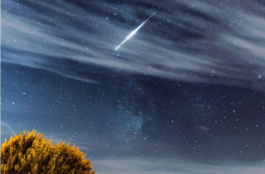 Mitte August ist Sternschnuppenzeit – aber auch der Vollmond leuchtet dann hell. Foto: Stefan Kalweit-Schaulies