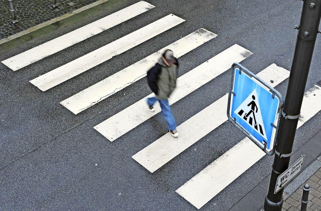 Zu Zebrastreifen gibt es einen neuen Erlass des Verkehrsministeriums. Foto: dpa