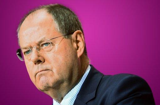 Peer Steinbrück hat wegen seiner Einnahmen in der SPD Gegrummel ausgelöst. Foto: dpa