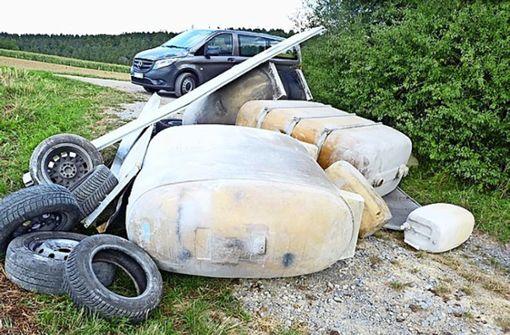 Öltanks, Kanister und Reifen entsorgt