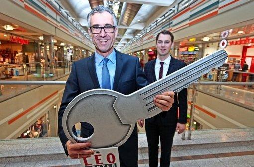 Der Neue freut sich auf die Leonberger