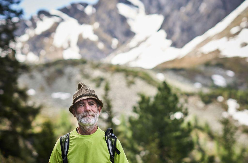 Naturparkranger Hans Naglmayer kennt sich aus in der Umgebung von Bad Gastein im Salzburger Land. Mit ihm kann man den Nationalpark Hohe Tauern bestens erkunden.  Foto: Steffen Schmid