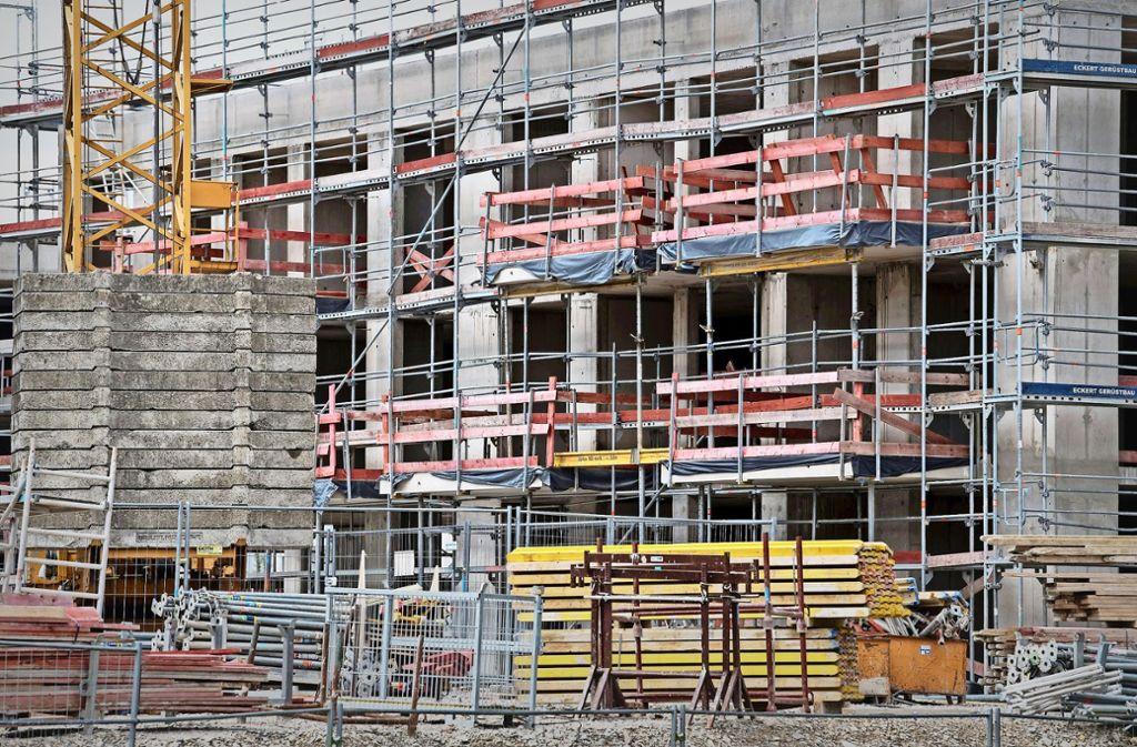 In Deutschland könnten sehr viel mehr Wohnungen gebaut werden, wenn alle erteilten Baugenehmigungen genutzt würden. Foto: dpa
