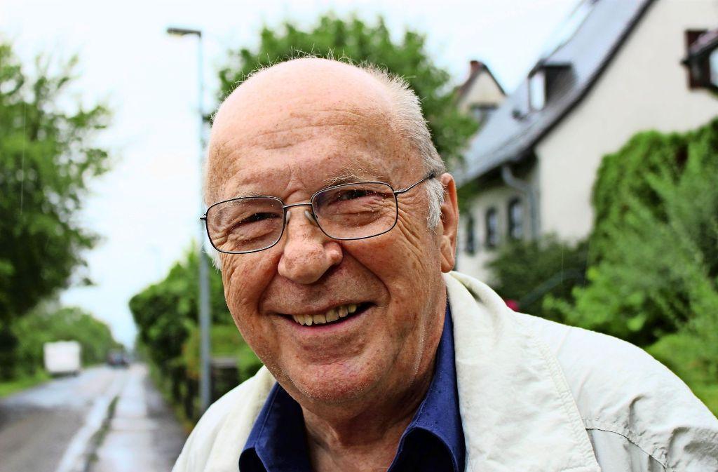 Günther Vallon hat viele Erinnerungen ans Bädle in Stuttgart-Sillenbuch. Foto: Caroline Holowiecki