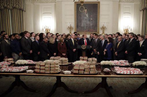 US-Präsident tischt erneut Fast Food für Football-Team auf
