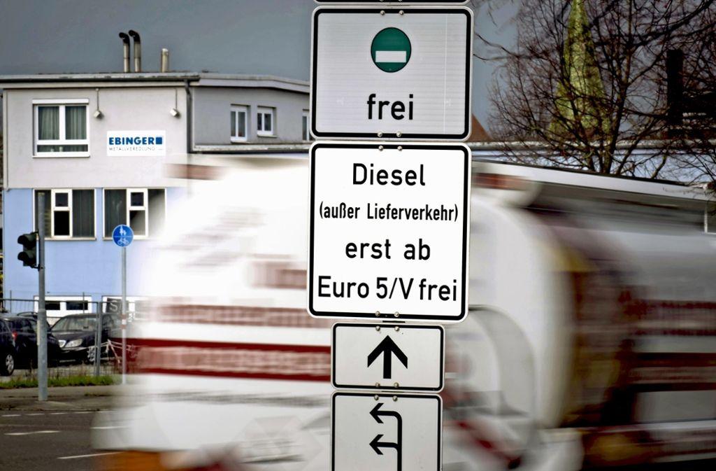 Die Bundesregierung will weitere Fahrverbote durch eine Aufweichung der gesetzlichen Vorgaben verhindern. Das Gericht spielt dabei nicht mit. Foto: Lichtgut/Achim Zweygarth