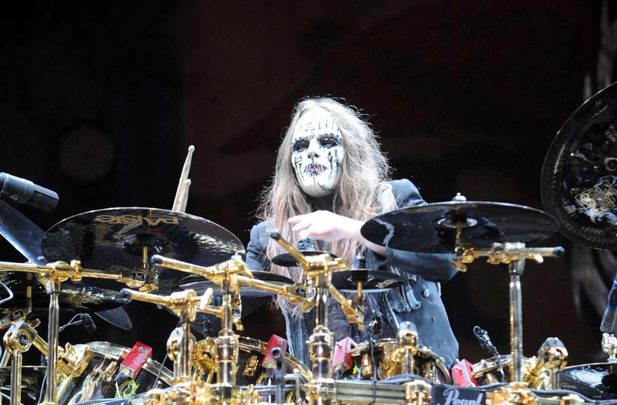 Joey Jordison im Jahr 2009 in Bühnenmaskerade bei einem Slipknot-Konzert in Columbus, Ohio. Foto: imago images/ZUMA Wire