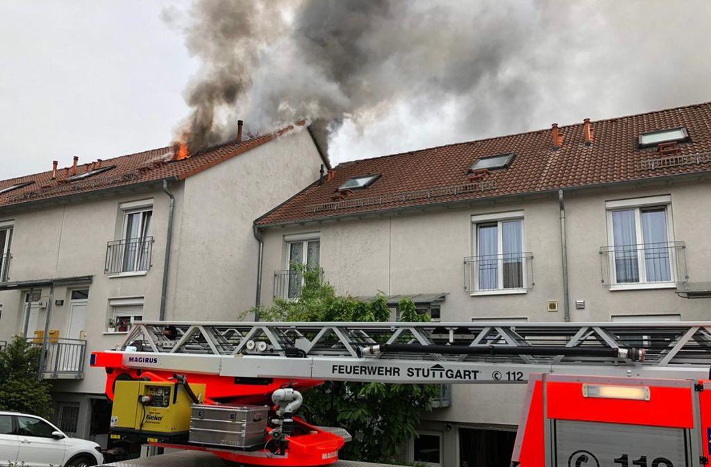Die Feuerwehr Stuttgart ist am Freitagnachmittag zu einem Brand in Stuttgart-Weilimdorf ausgerückt. Foto: Fotoagentur Stuttgart /Andreas Rosar