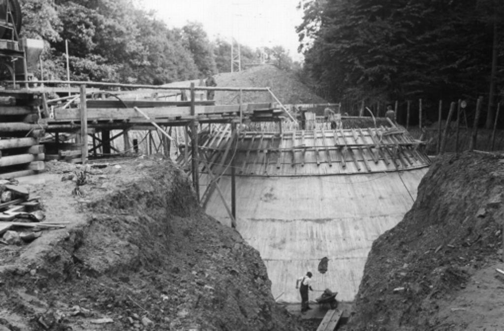 Das Fundament des Fernsehturms während der Bauphase im Jahr 1954. Foto: Archiv