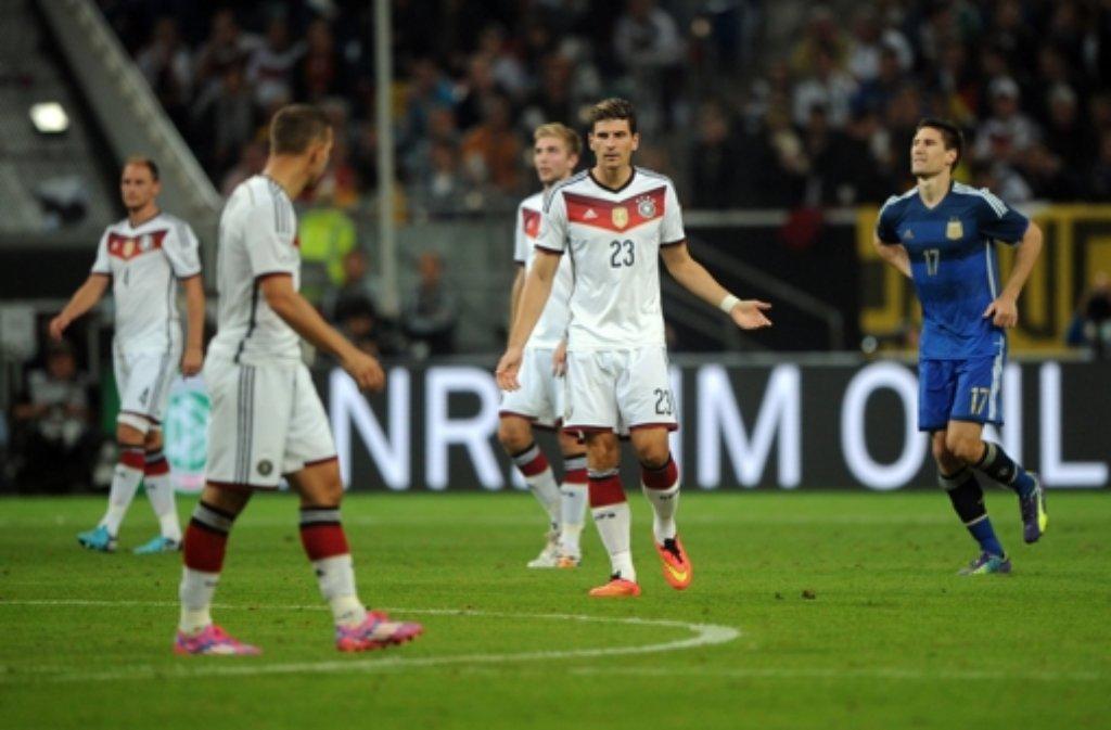 Deutschland verliert in Düsseldorf gegen Argentinien und muss sich jetzt schnell auf die EM-Qualifikation einstimmen. Foto: dpa