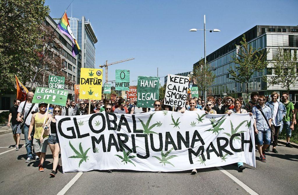 Auch 2016 marschierten die Anhänger einer Legalisierung von Cannabis in Stuttgart. Foto: Lichtgut/Verena Ecker