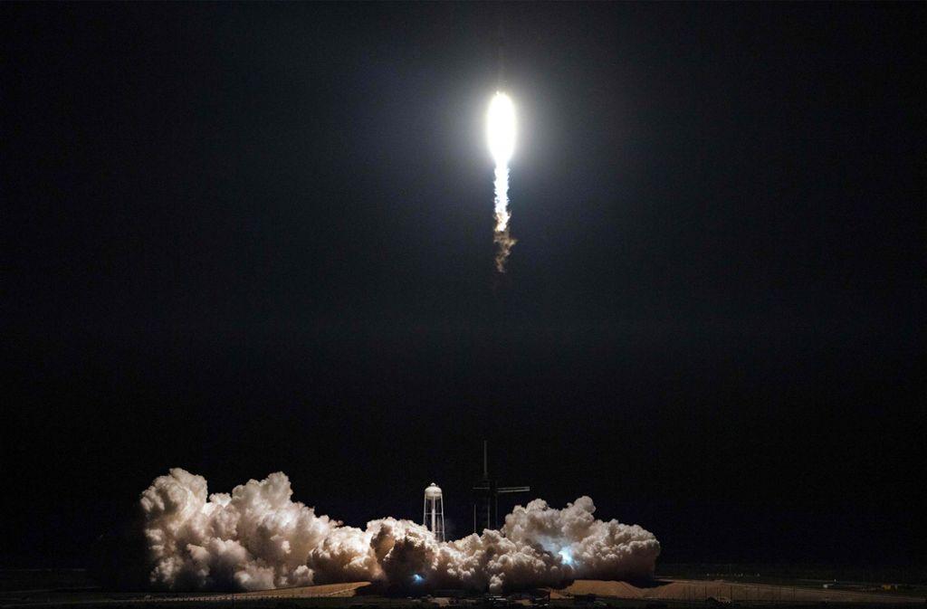 """Musk sagte, es sei für ihn """"superstressig"""" gewesen, den Start der """"Dragon"""" zu beobachten. Foto: AFP"""