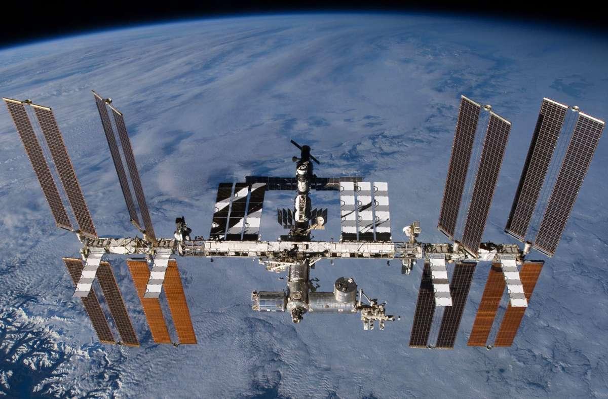 Die Internationale Raumstation (ISS) in der Erdumlaufbahn Foto: Nasa/dpa