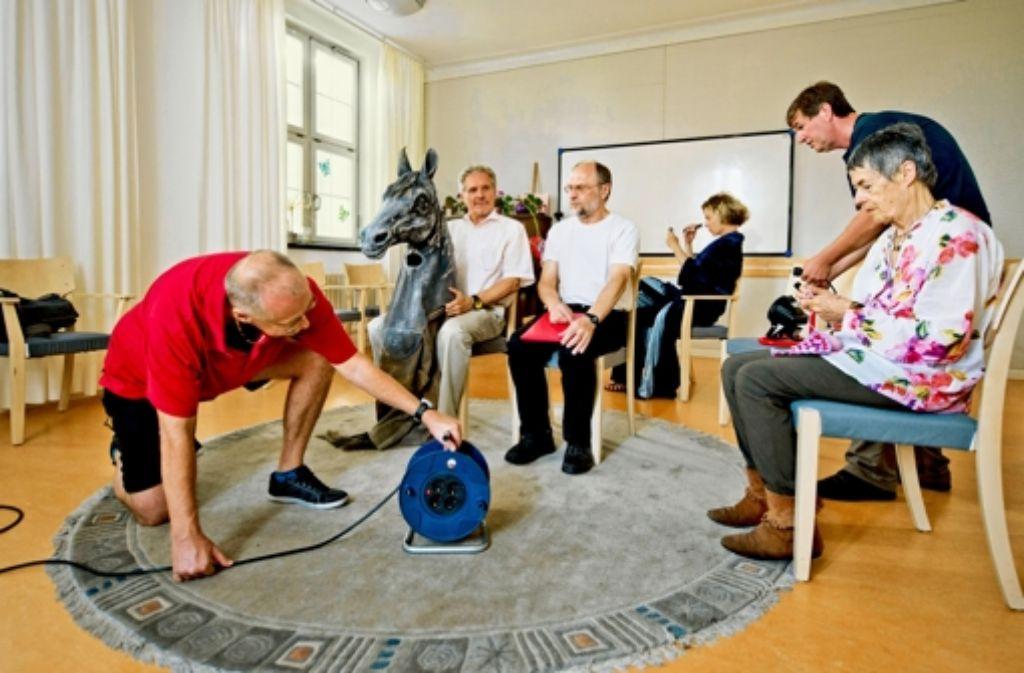 Therapeuten, Patienten und Ehemalige spielen bei der Hofschaumbühne gemeinsam Theater. Foto: Martin Stollberg