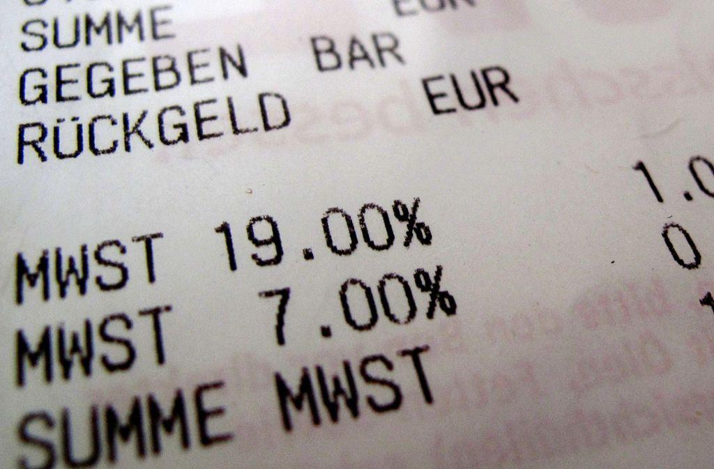 Die Mehrwertsteuer soll ab Juli für ein halbes Jahr von 19 auf 16 Prozent abgesenkt werden. (Symbolbild) Foto: dpa/Oliver Berg