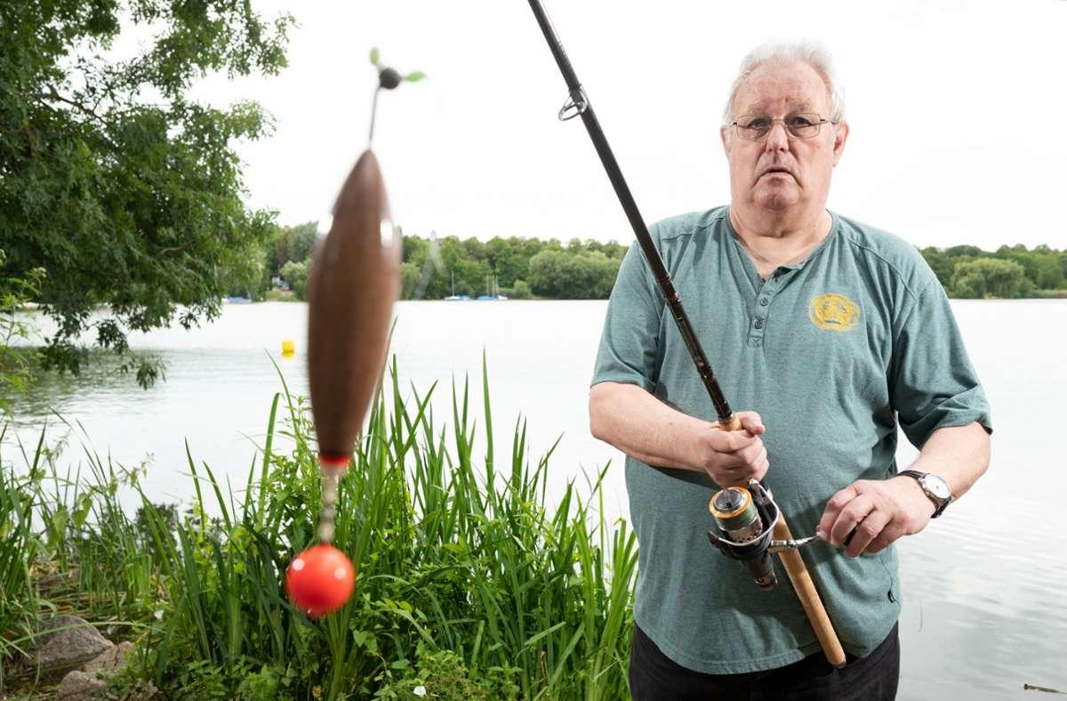 Zusammen mit fünf anderen Personen hat Hans-Herrmann Schock, Vorsitzender des Baden-Württembergischen Angler Vereins, gegen das Nachtangelverbot geklagt. Foto: dpa/Bernd Weissbrod