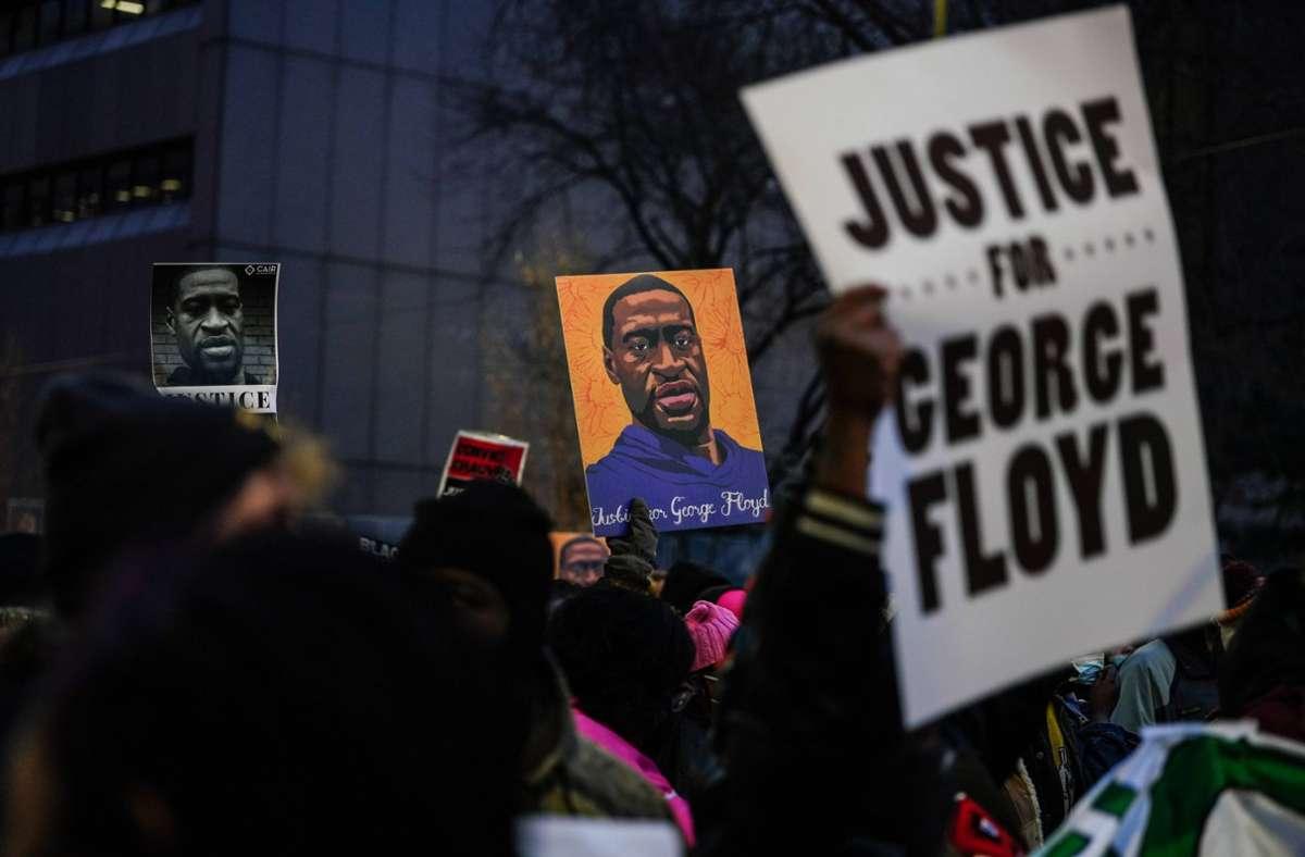 Im Prozess um den gewaltsamen Tod von George Floyd ist ein Urteil gefallen. (Symbolbild) Foto: imago images/UPI Photo/JEMAL COUNTESS