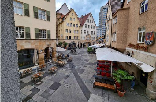 Aufwendige Bauarbeiten für neuen Bodenbelag im Hans-im-Glück-Viertel