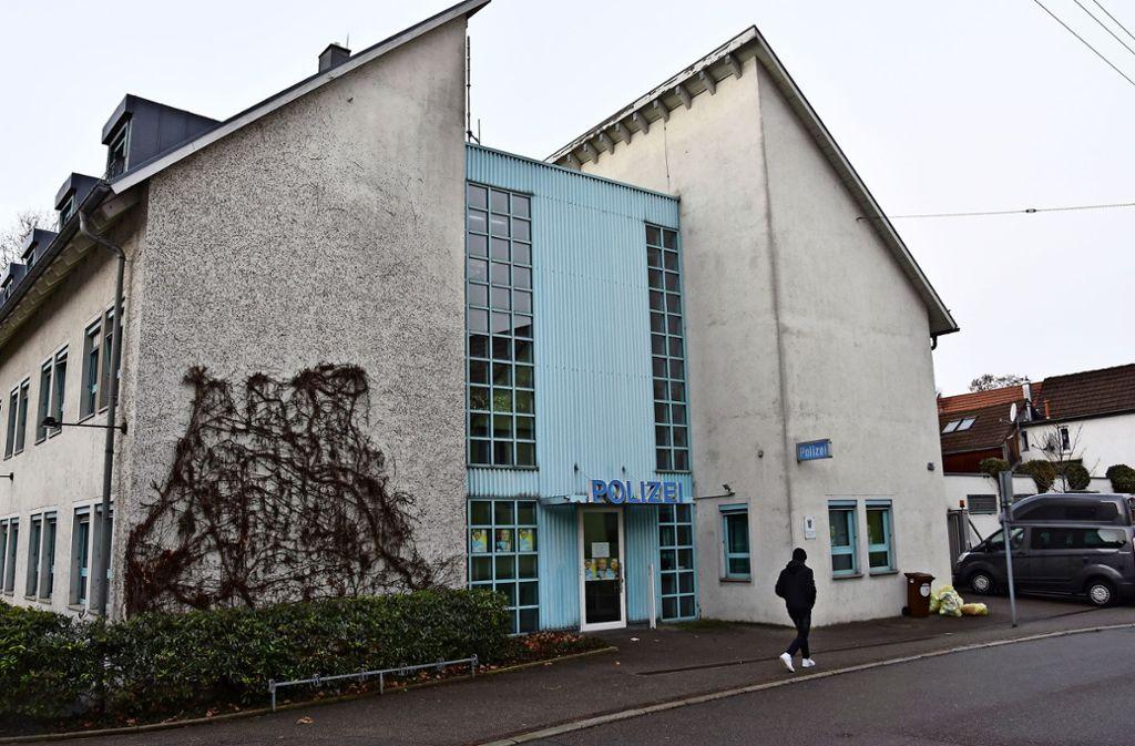 Das einstige Polizeirevier in der Augsburger Straße beherbergt seit Jahresbeginn nur noch einen Polizeiposten. Foto: Mathias Kuhn Foto: