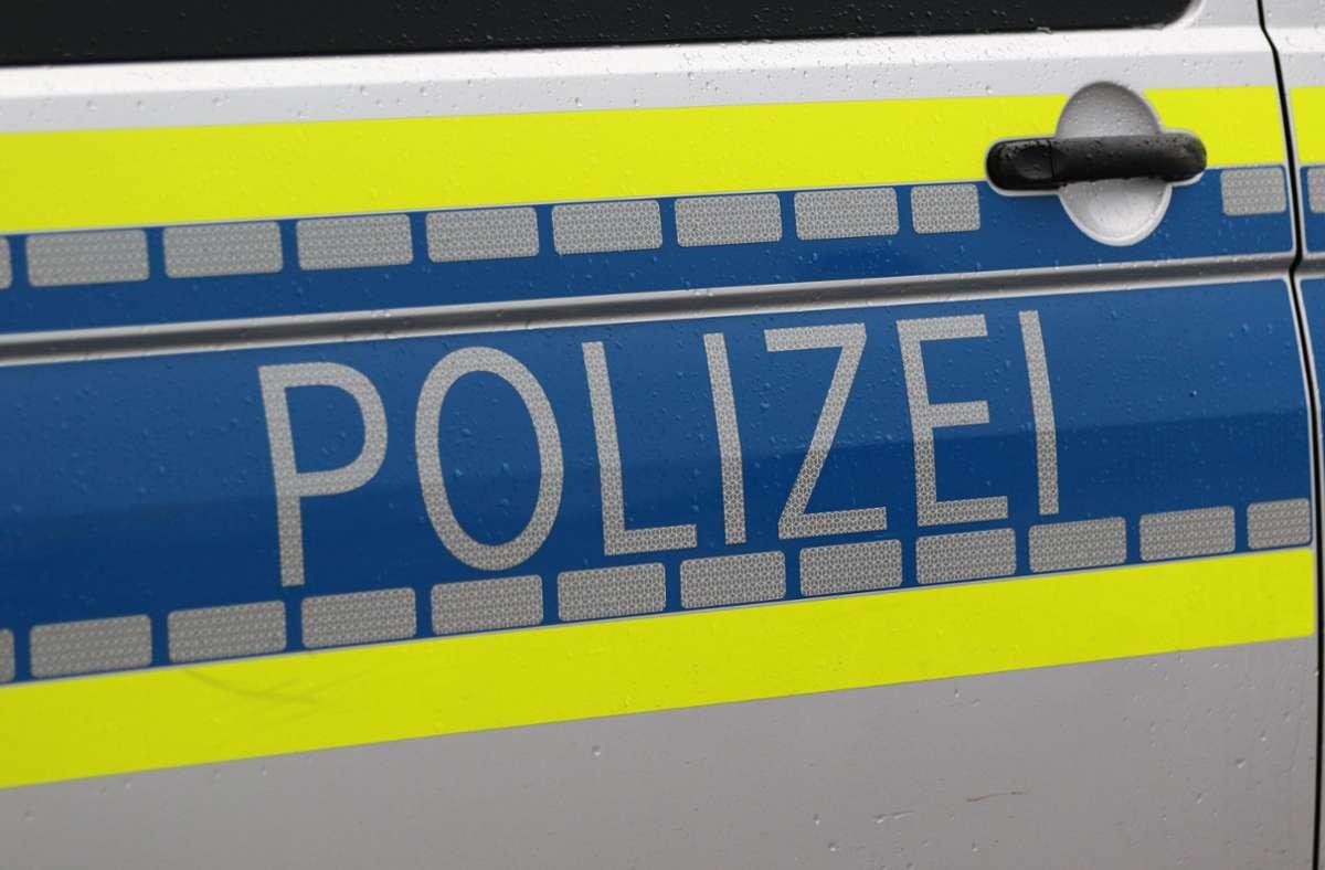 """Ersthelfer und Zeugen werden zur Zeit seelsorgerisch und durch den Opferschutz der Polizei betreut"""", heißt es seitens der Polizei (Symbolbild). Foto: imago images/Fotostand/Fotostand / Wagner"""