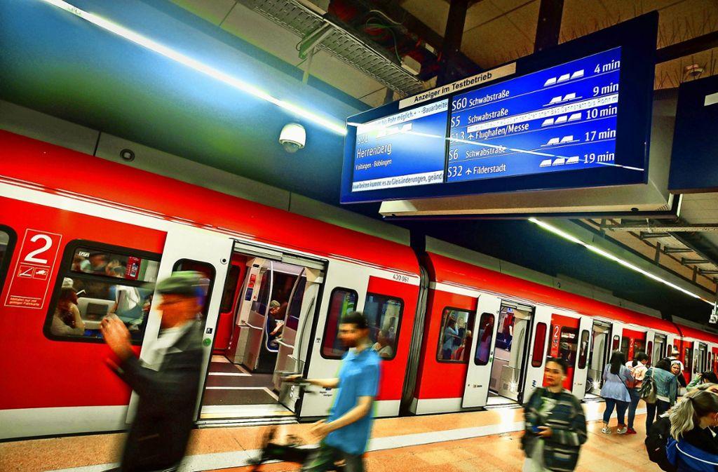 Das Bahnfahren soll für Stuttgarter Schüler billiger werden. Foto: Lichtgut/Leif Piechowski