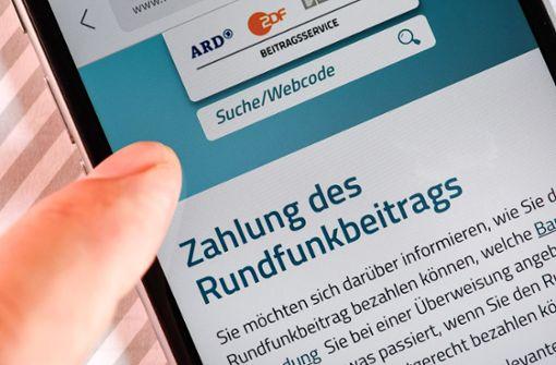 Klagen zum Rundfunkbeitrag liegen Karlsruher Richter vor