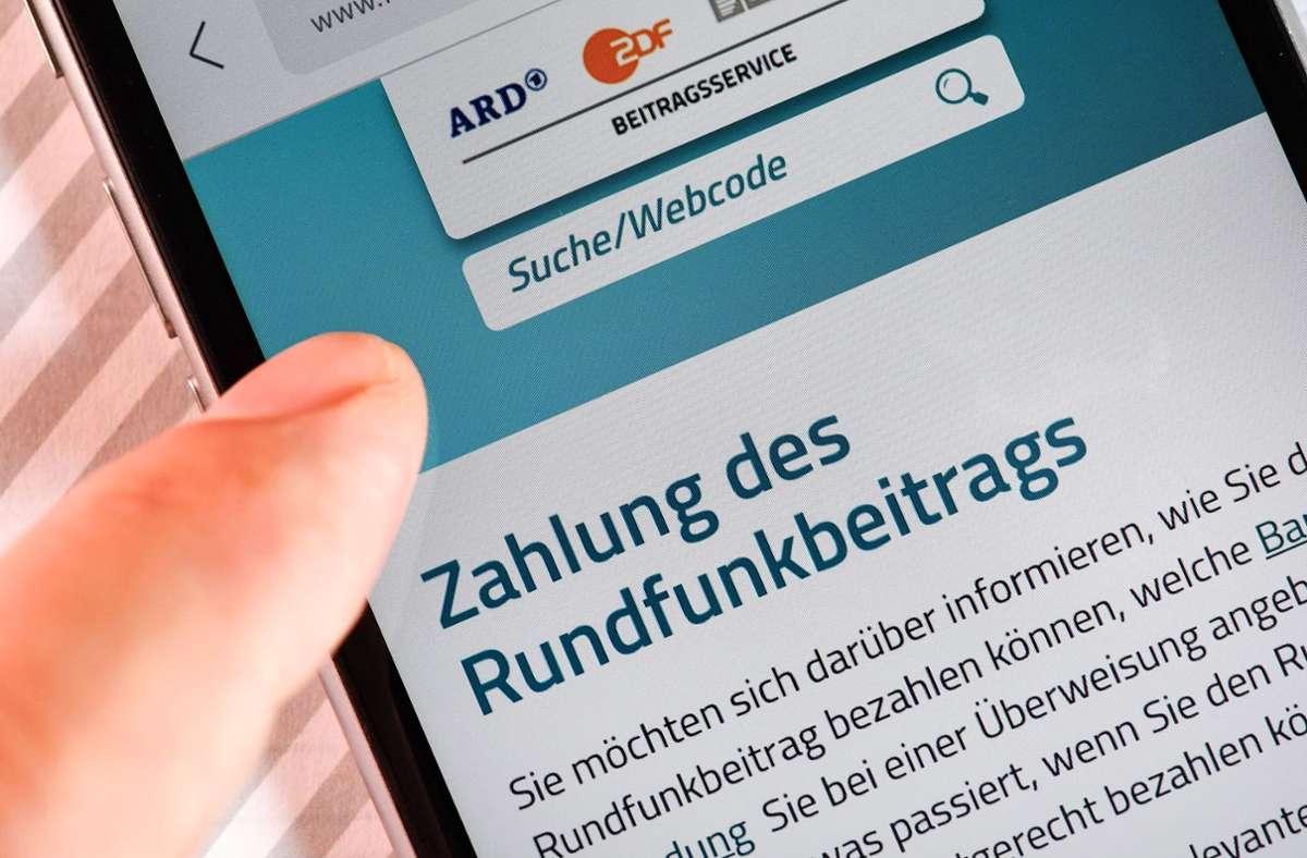 Die erste Klage eines öffentlich-rechtlichen Senders gegen die Blockade aus Sachsen-Anhalt zu einem höheren Rundfunkbeitrag ist beim Bundesverfassungsgericht eingetroffen. Foto: dpa/Jens Kalaene