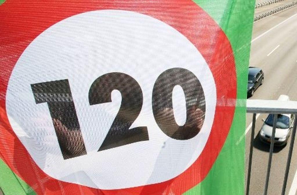 In der Schweiz gilt auf allen Autobahnen Tempo 120. Foto: dpa