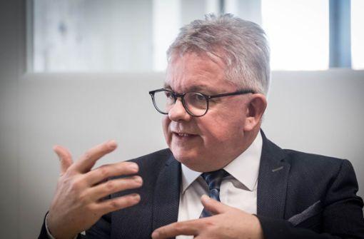 Guido Wolf nennt mögliche Termine für Öffnung