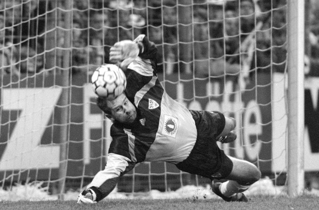 Eike Immel stand fast 300 Mal für den VfB im Tor. Foto: Baumann