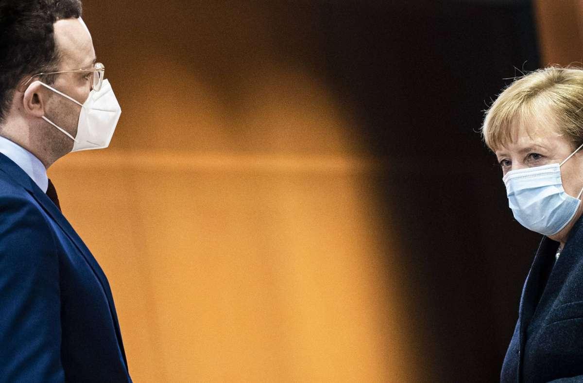 Die Bundeskanzlerin und der Bundesgesundheitsminister haben sich dazu geäußert, wie es in Sachen Corona-Impfung weitergehen soll (Archivbild). Foto: imago images/photothek/Florian Gaertner