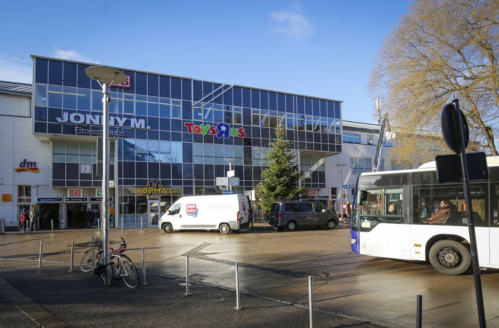 Am Ludwigsburger Bahnhof haben sich am Dienstagabend sechs Männer geprügelt. Foto: factum/Weise/Simon Granville/factum
