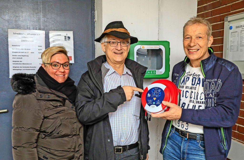 Drei, die sich freuen: Caroline Wörner, Wolfgang Kirchner, Richard Briem (v.l.) Foto: Krämer