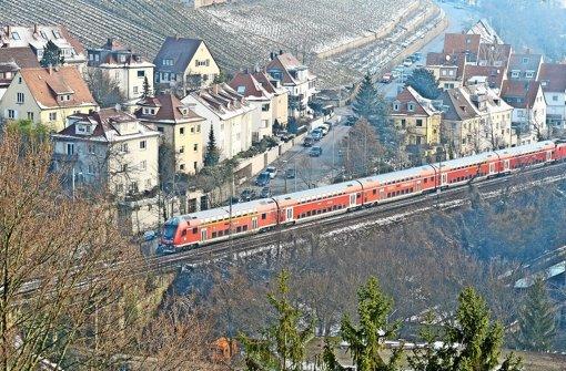 Diese  Bahnstrecke bietet ihren Passagieren nicht nur ein schönes Panorama, sondern hat nach Ansicht des VCD eine Menge Potenzial für den Nahverkehr. Foto: dpa